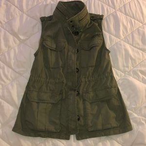 Abercrombie and Fitch army green utility vest